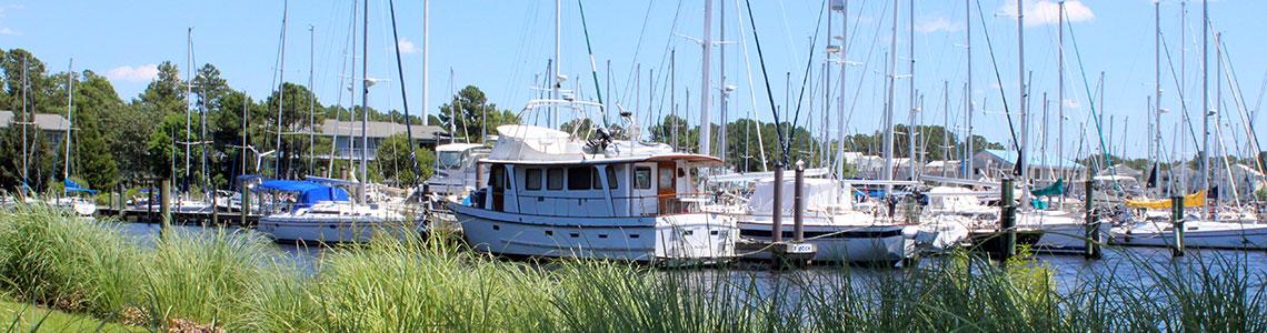 marina-boats-grass